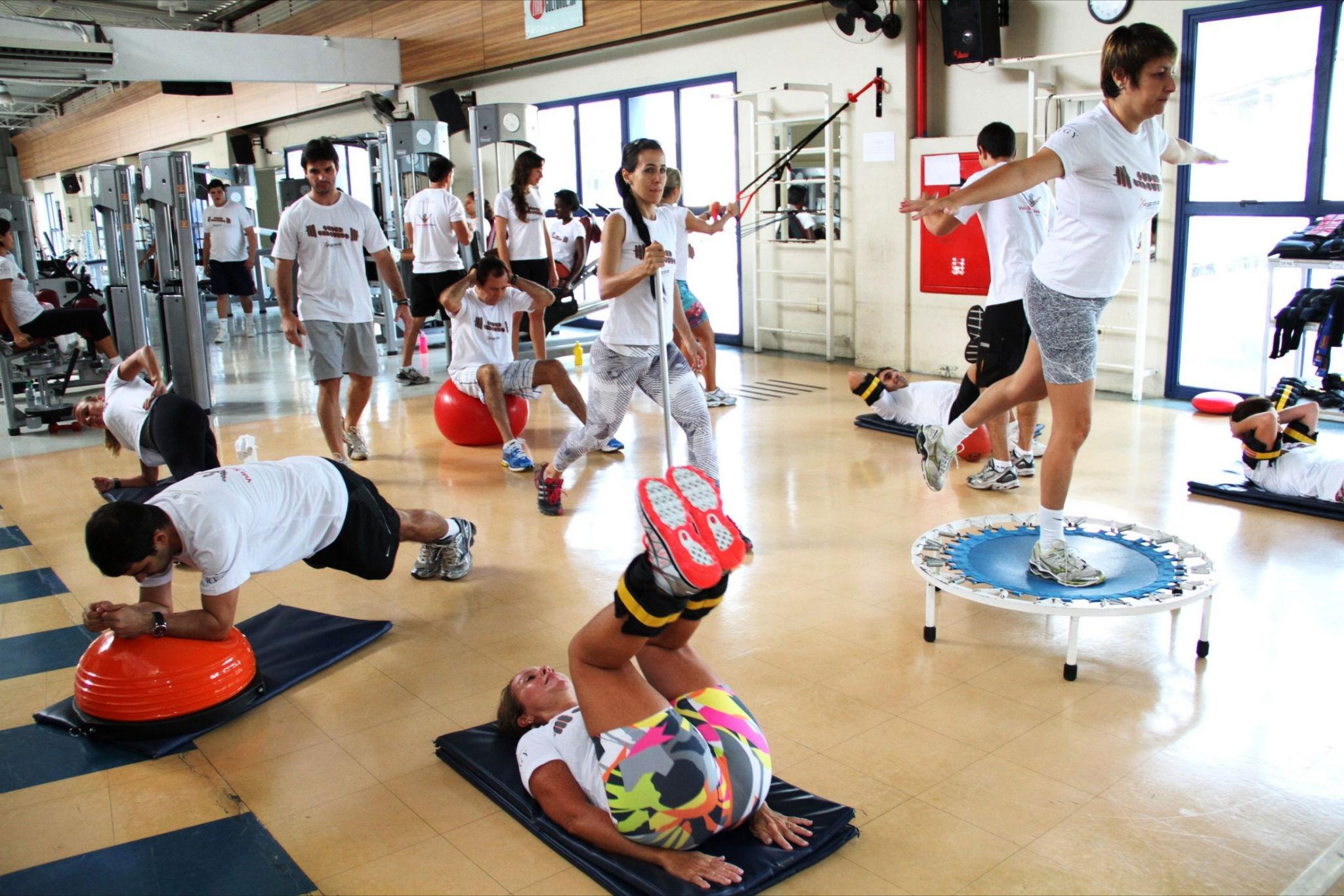 Treino em circuíto ajuda a ganhar força e desenvolver músculos